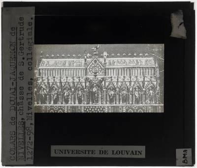 Colars de Douai. Jacquemon de Nivelles. Jacques d'Anchin. Reliekschrijn van de Heilige Gertrudis van Nijvel Lange zijde met Sint-Gertrudis, frontaal
