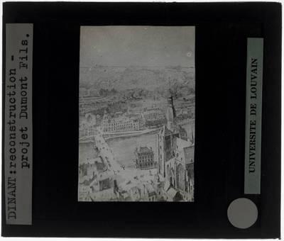 Dinant. Zicht vanop de citadel op de stad met de Maas en de Collegiale Onze-Lieve-Vrouw Tekening: Reconstructie Dumont Fils