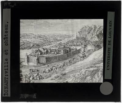 Dinant. Zicht op de omringde stad en de citadel Illustratie