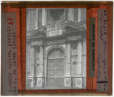 Saint-Omer. Chapelle de l'ancien collège des Jésuites walons Exterieur: Portaal