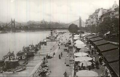 Piac a Dunaparton Budapest 1925.