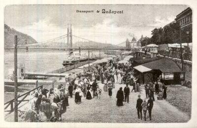 Piac a Dunaparton Budapest