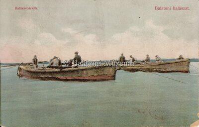 Balatoni halászat. Halász-bárkák.