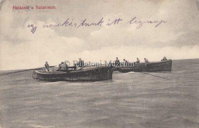 Halászat a Balatonon.