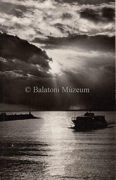 Alkony a Balatonon