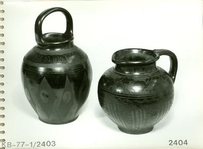Fekete kerámia /egyfüles vízhordó edény, és egyfüles szilke/