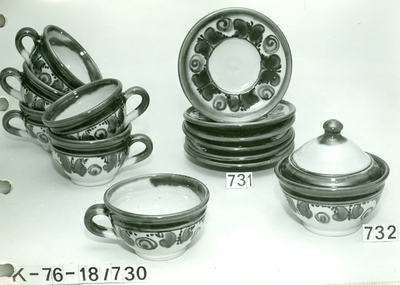 Erdélyi teás csészék, aljak, cukortartó fedővel