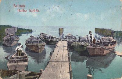 Balaton Halász bárkák.