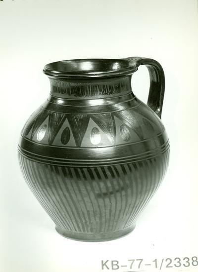 Fekete kerámia /egy füles kanta váza/