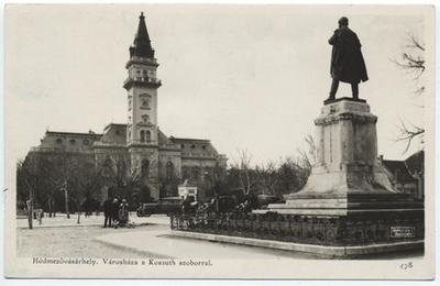 Városháza a Kossuth-szoborral, Hódmezővásárhely