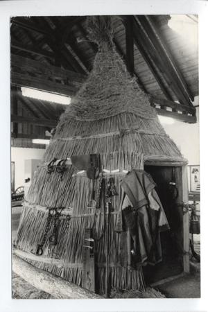 Pásztormúzeum: kontyos gulyás kunyhó, Hortobágy