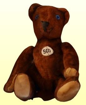 Kék szemű barna medve