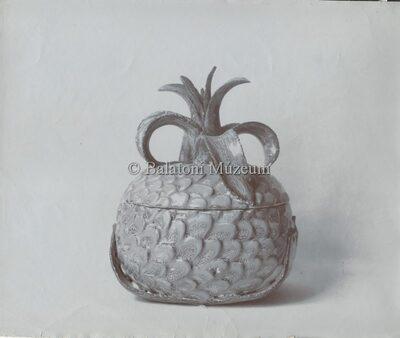 Bonbonier ananász kiképzéssel, kerámia