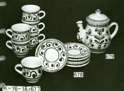 Kerámia /erdélyi teás csésze, alj, teáskanna fedővel/