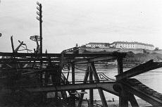 Újvidéken a felrobbantott vasúti híd