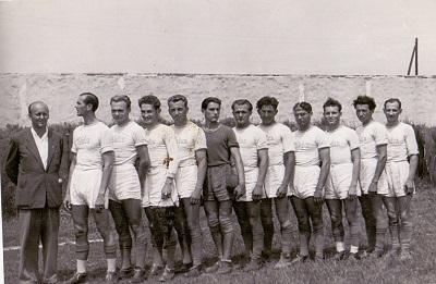 Labdarúgó csapat oszályozó meccs előtt