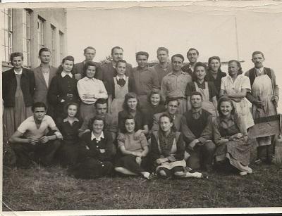 Bolgár vendégmunkások a Gumigyárban a kollektívával