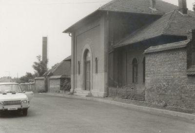 Az Izraelita temető bejárata a Szív utcában
