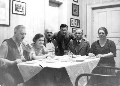 Ravasz László cukrász a családja körében, Budapest, 1938 körül
