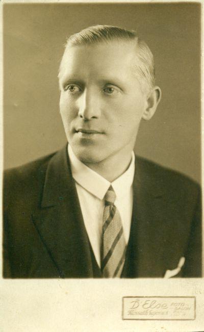 Ifj. Friedl Ede cukrász portré-fényképe, Budapest, 1930-as évek
