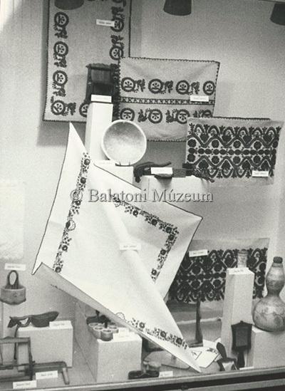 Szövő-és kerámia szakkör művei