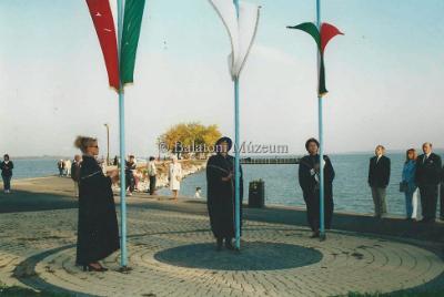 A Borbarát Hölgyek vonják le a zászlót az évadzárón