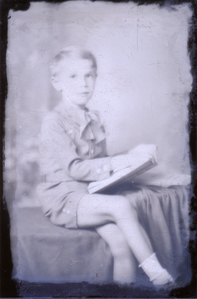 Kisfiú portréja