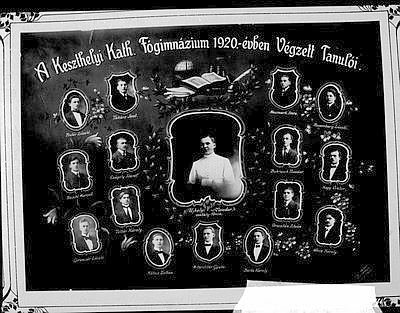 A keszthelyi Katolikus Főgimnázium 1920-ban végzett tanulóinak tablóképe