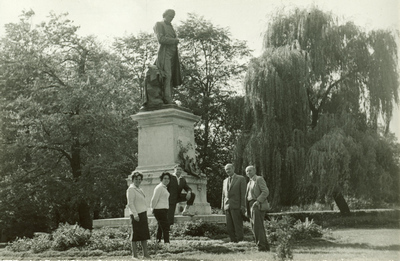 Tompa Mihály szobra