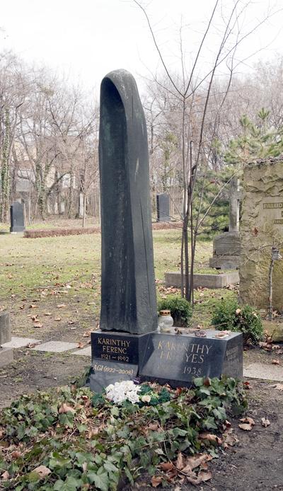 Fiumei úti Nemzeti Sírkert – Karinthy Frigyes  síremléke