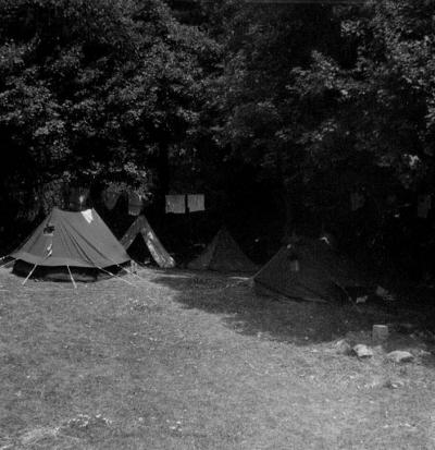 Barlangkutató-tábor az Acskó-réten