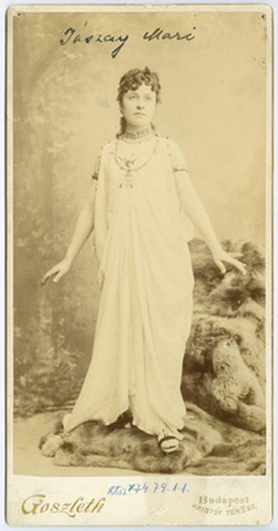 Jászai Mari jelmezben (Cleopátra)