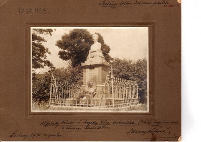 Kisfaludy Sándor és Szegedy Róza síremléke a sümegi temetőben