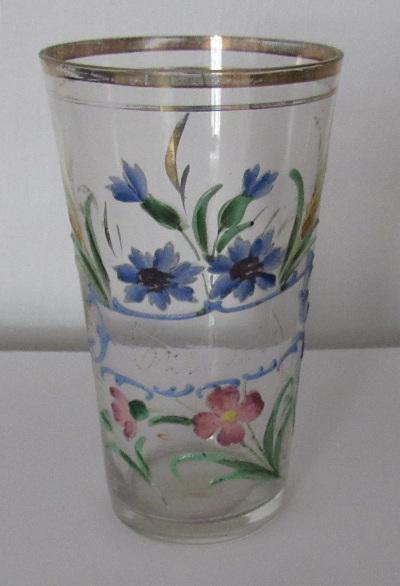 Virágos pohár
