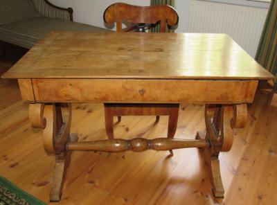Kisfaludy Sándor asztala