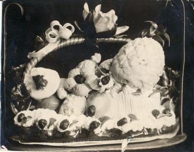 Parfé torta az Oroszy cukrászda minta albumából