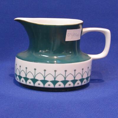198. Teás tejkiöntő, porcelán