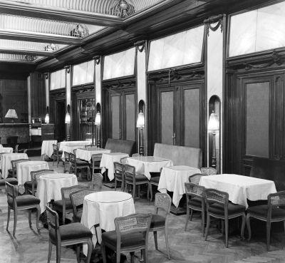 Asztalok a New York kávéházban