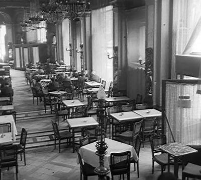 A New York kávéház belső tere