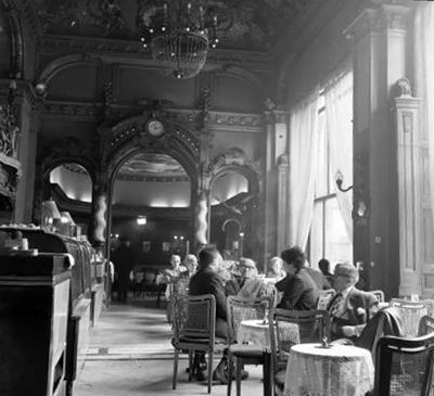 Kávézó emberek a New York kávéházban