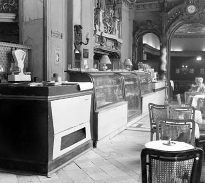 Kiszolgálópult a New York kávéházban