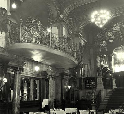 Páholy a New York kávéházban