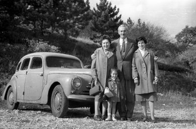 Kirándul a család