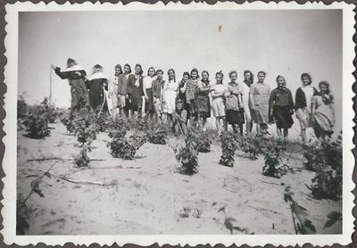 Csoportkép Bugacon 1940-ben
