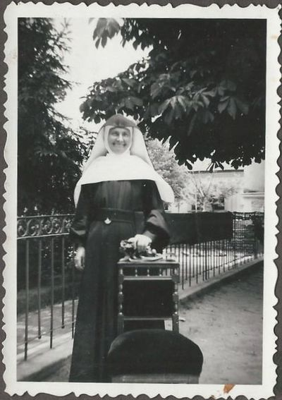Juhász M. Invioláta tanárnő