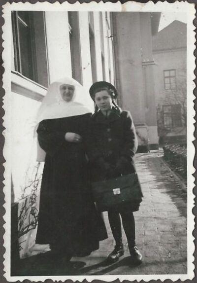 Modesta nővér Icával
