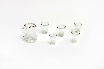 Játék berendezési tárgy (vizeskancsó poharakkal)