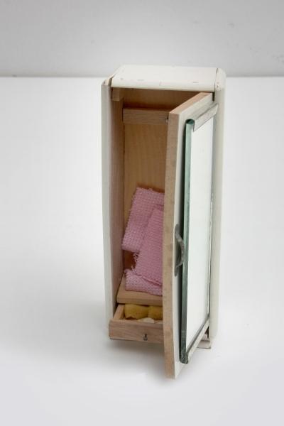 Játék bútor (fürdőszobai állószekrény, fiók)