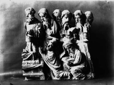 Träskulptur, Jungfru Marias död, 1425-1450. Från Fellingsbro kyrka, Fellingsbro socken. Inv. nr: 4633. Örebro Läns Museum, kyrkliga avdelningen.