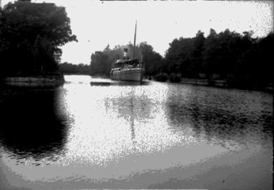 Ångbåten Örebro på Svartån vid Slussen.